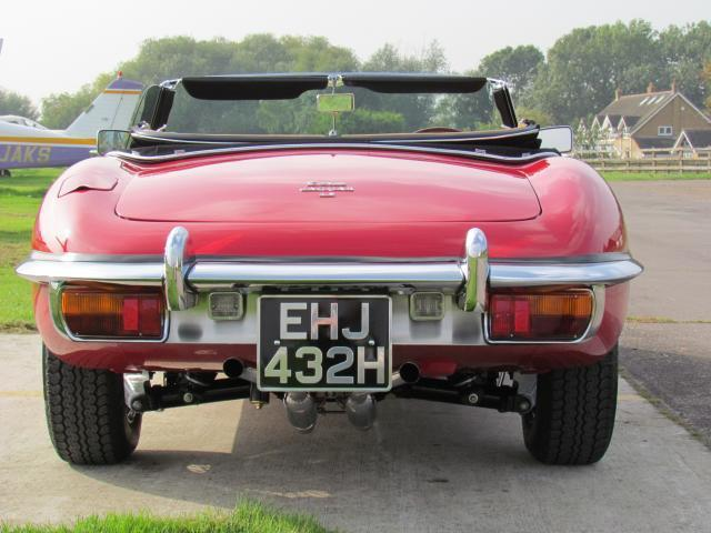1970 Jaguar E-Type S2 Roadster Back
