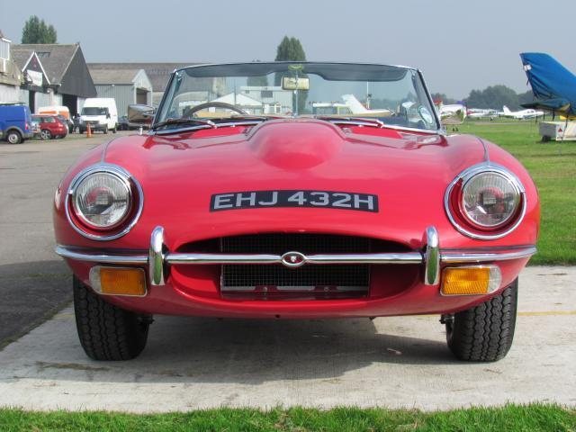 1970 Jaguar E-Type S2 Roadster Front
