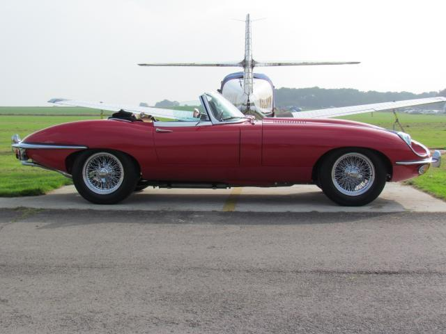 1970 Jaguar E-Type S2 Roadster Side