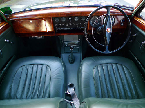 1961 jaguar mk ii 3.8 litre manual interior 2
