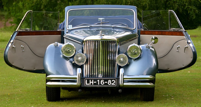 1950 jaguar mark v 3.5 litre front doors open