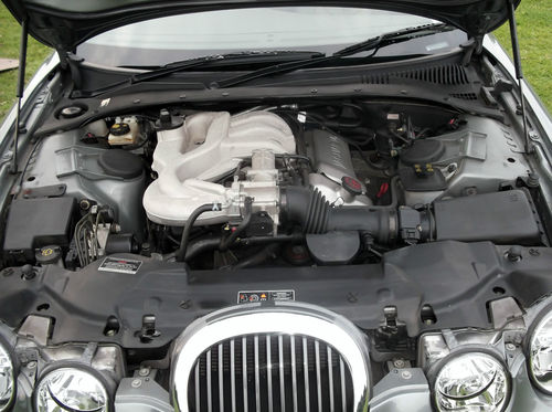 2001 Jaguar S-Type V6 SE Engine Bay