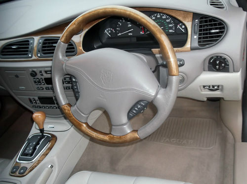 2001 Jaguar S-Type V6 SE Steering Wheel