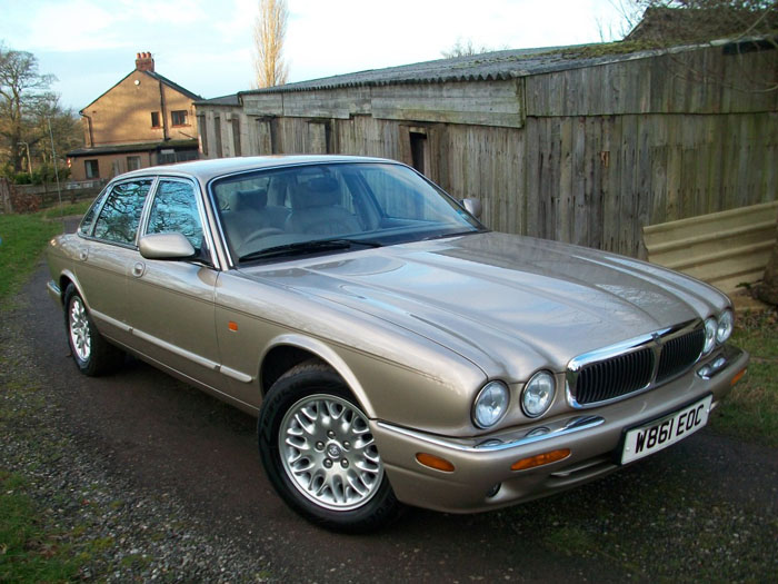 2000  w  jaguar xj8 3.2 v8 executive auto 1