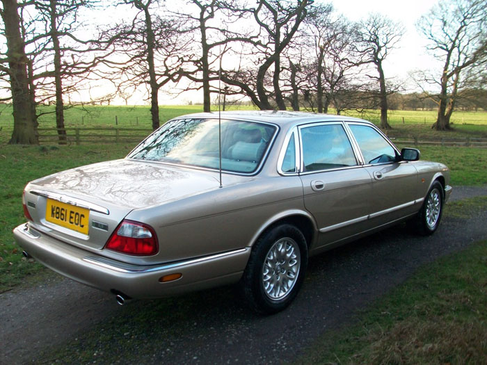 2000  w  jaguar xj8 3.2 v8 executive auto 7