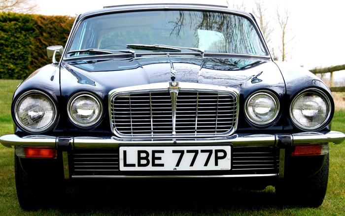 1976 Jaguar XJ6 Series 2 4.2 Front