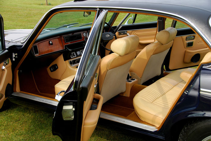 1976 Jaguar XJ6 Series 2 4.2 Interior