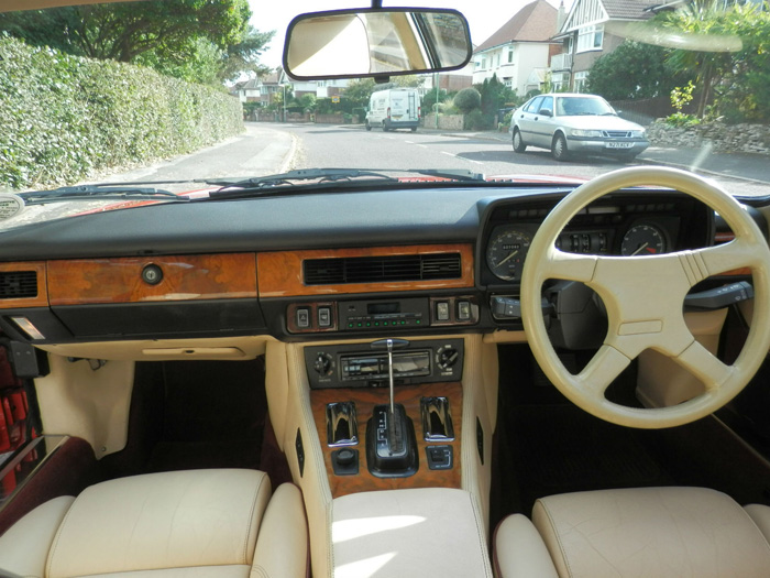 1990 Jaguar XJ-S 5.3 V12 Interior Dashboard