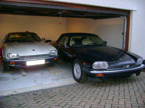 jaguar xjs v12 auto convertible in black ivory leather 8