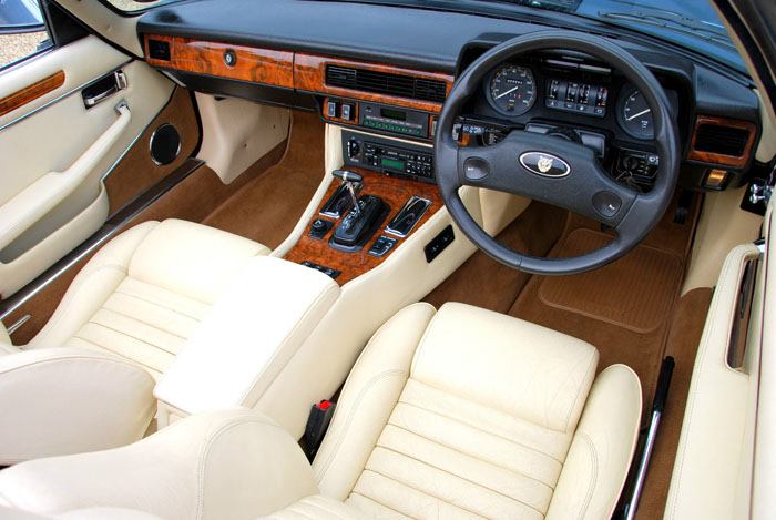 1988 Jaguar XJ-S V12 Interior