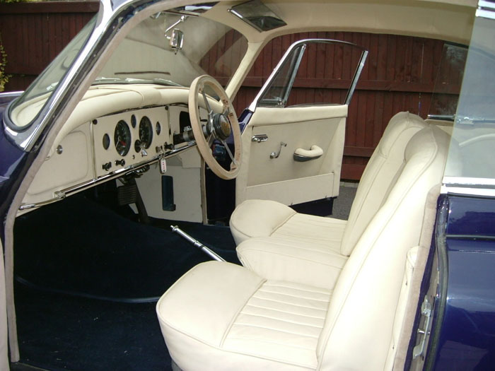 1959 Jaguar XK 150 FHC Interior