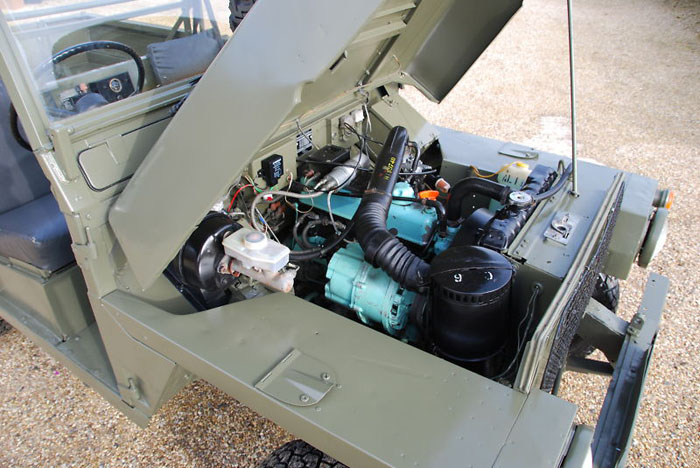 1984 land rover lightweight ffr engine bay