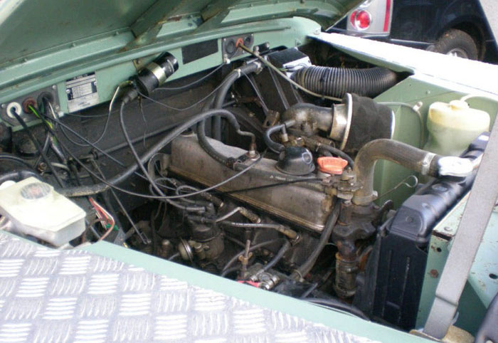 1983 land rover series 3 88 station wagon swb engine bay