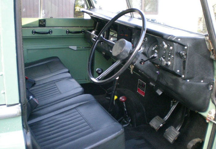 1983 land rover series 3 88 station wagon swb interior 1
