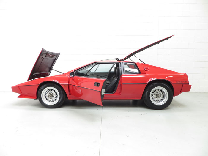 1986 Lotus Esprit Series 3 Left Side