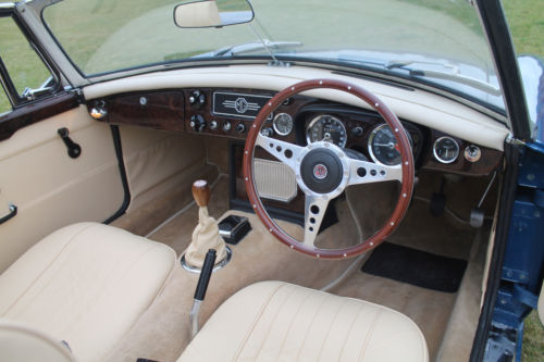 1970 MGB Roadster Interior Dashboard