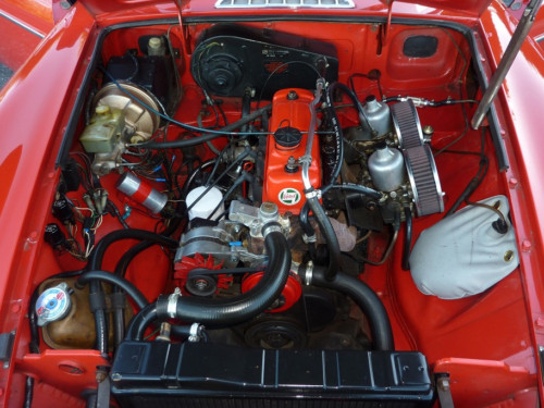1978 mgb roadster engine bay