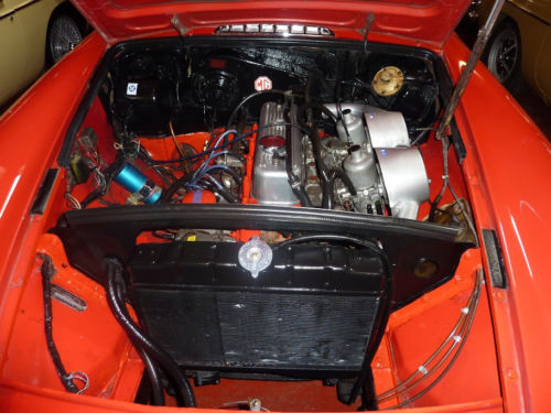 1798cc mgb roadster engine bay