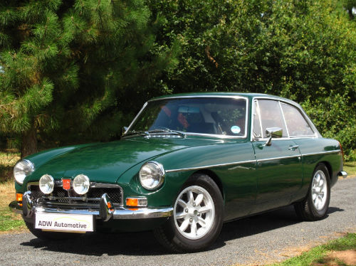 1972 mg b gt coupe british racing green 2