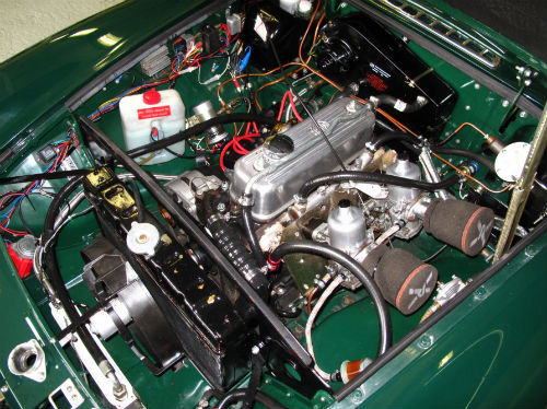 1972 mg b gt coupe british racing green engine bay
