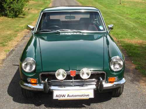 1972 mg b gt coupe british racing green front