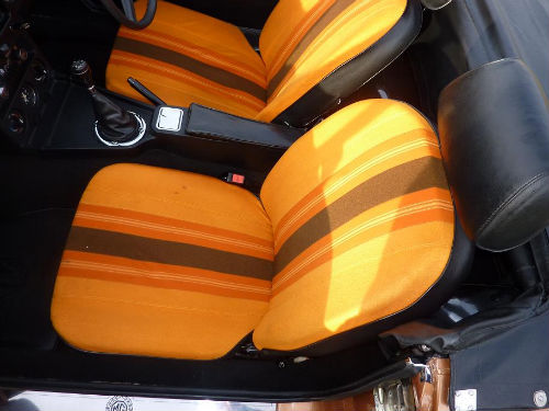 1981 mgb le roadster front seats
