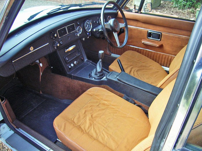 1974 mgb gt v8 factory car interior 1