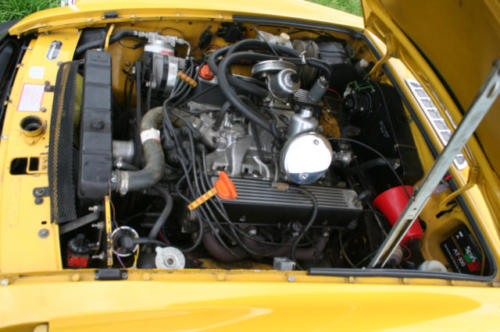 1979 mg b roadster 22 v8 by lenham engine bay