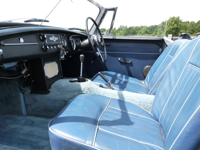 1963 MGB Roadster Front Interior