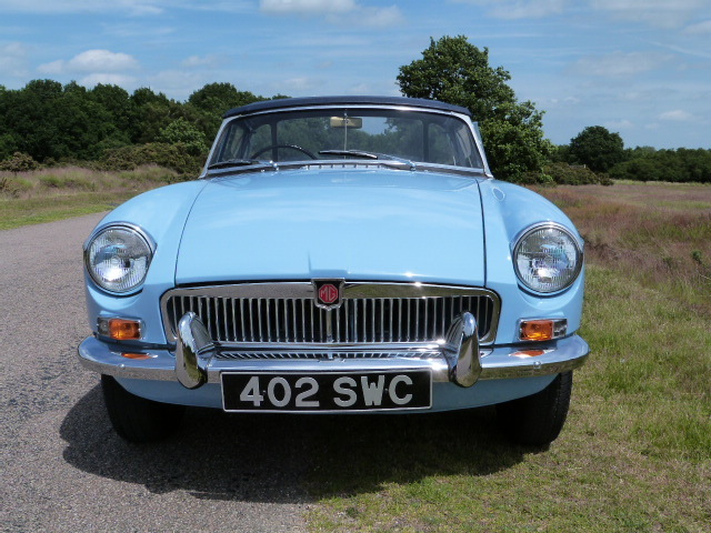 1963 MGB Roadster Front