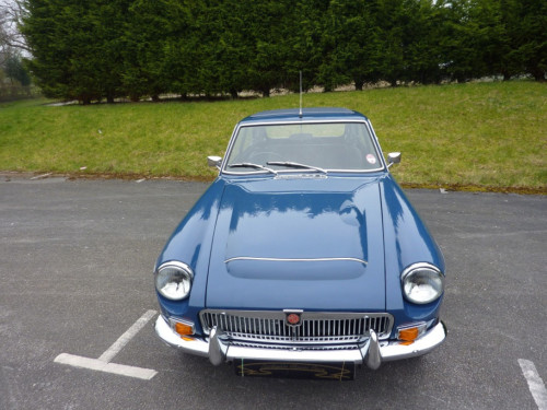 1969 mgc gt automatic front