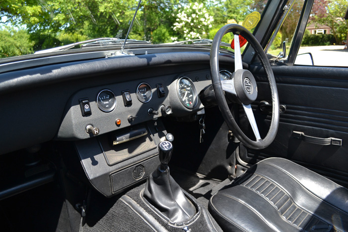 1979 MG Midget 1500 Dashboard Steering Wheel