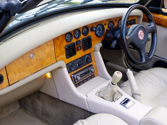 1995 mg rv8 dashboard