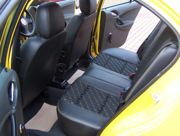 2002 MG ZR 105 Rear Interior