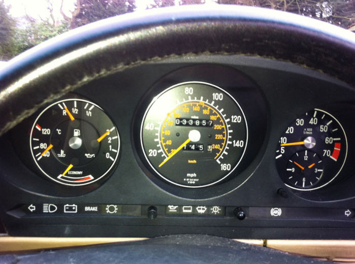1989 mercedes 300 sl auto red dashboard