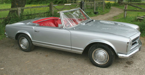 1965 Mercedes-Benz SL230 Pagoda Side