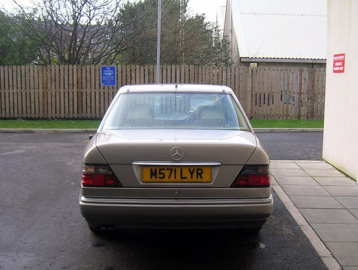 1994 mercedes benz e320 back