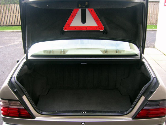 1994 mercedes benz e320 boot