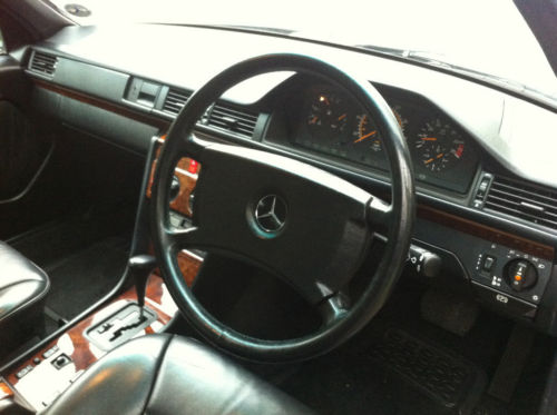 1990 mercedes 260e auto pearl grey metallic w124 interior dashboard