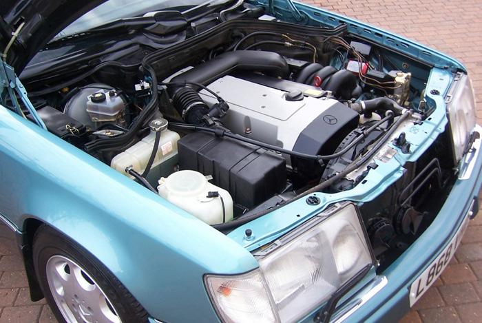 Featured cars mercedes benz w124 1994 mercedes benz for Mercedes benz e320 engine