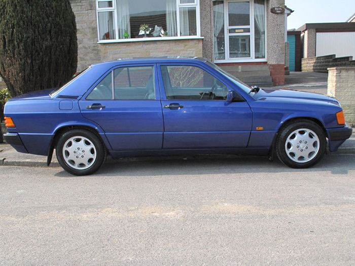 1993 Mercedes-Benz W201 190LE Right Side