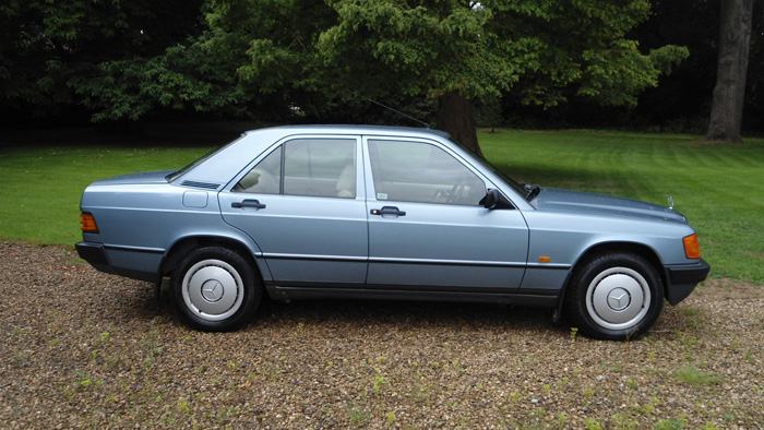 1987 Mercedes-Benz W201 190 Side