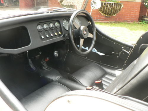 1992 morgan 4 4 2 seater ivory pearl interior
