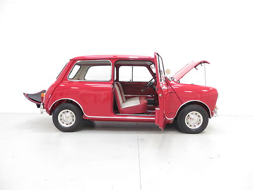 1960 Morris Mini MK1 Deluxe Right Side