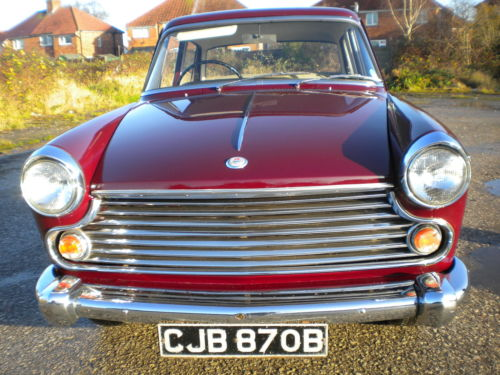 1964 morris oxford maroon front