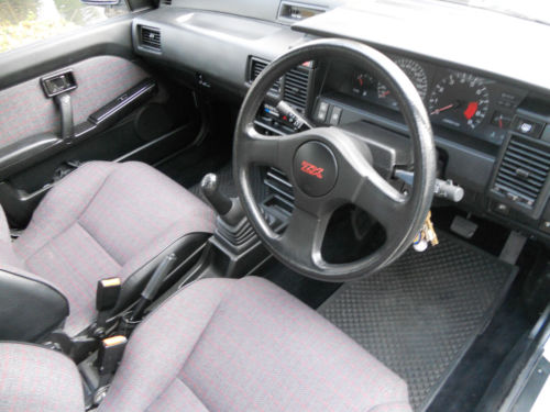 1990 Nissan Sunny 1.8 ZX Interior Dashboard Steering Wheel