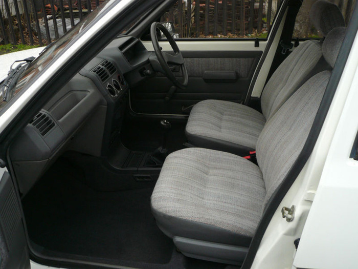 1991 Peugeot 205 GRD Front Interior 1