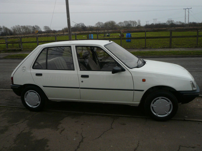 1991 Peugeot 205 GRD Right Side