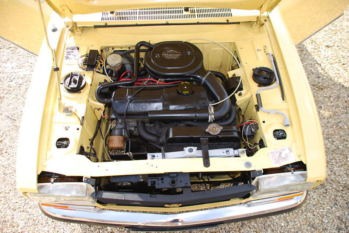 1974 peugeot 304 s convertible engine bay