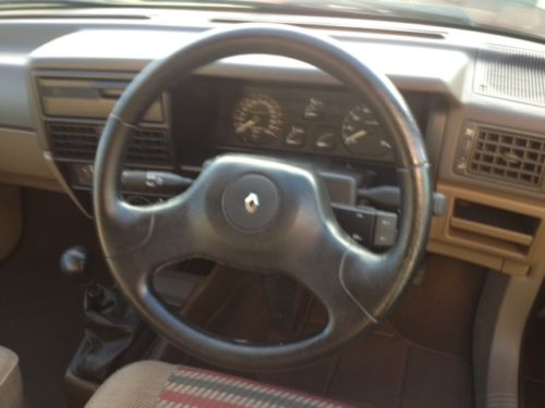 1992 Renault 19 Karmann Convertible Dashboard Steering Wheel
